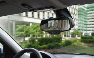 Автомобильные видеорегистраторы в зеркале заднего вида